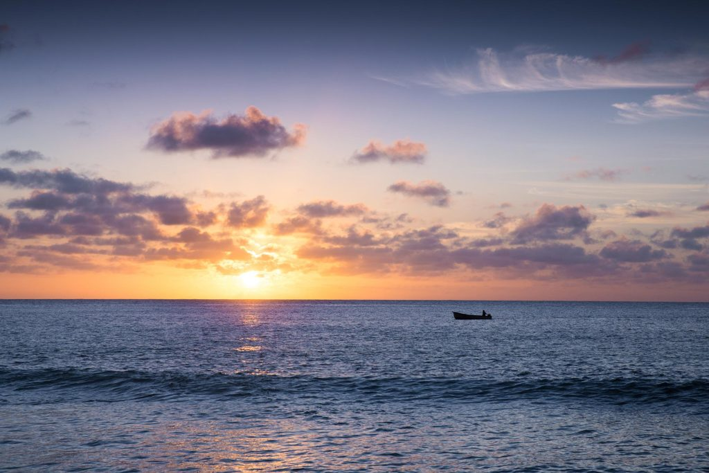 Sonnenuntergang Seychellen Mahe Traumstrand